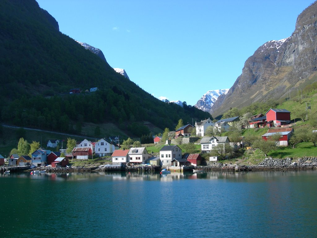 best villages in Europe: Undreal as seen from a ferry. Photo by Panoramio