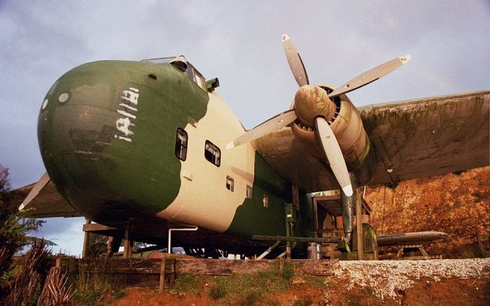 A 1950s Bristol Freight plane which is a war relic turned hotel. Photo via hovo-hotels.blogspot.com