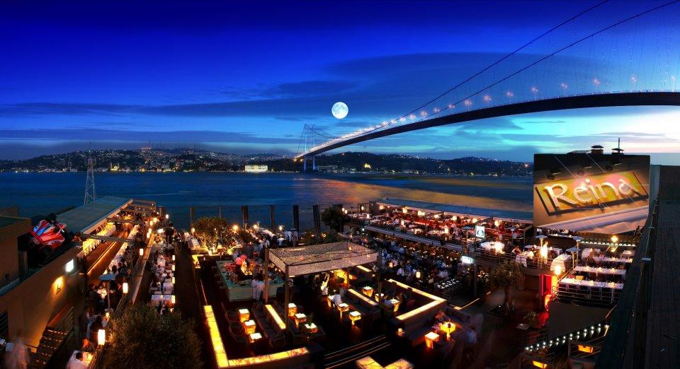 Ortaköy nightlife, Reina Bar. Istanbul. Photo by wittistanbul.com