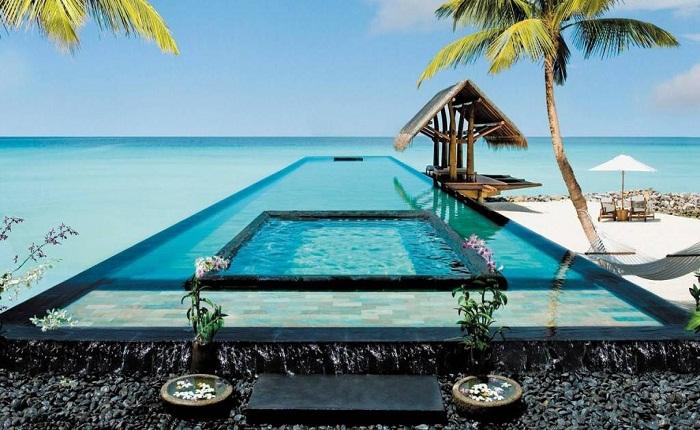 The Royal Palm, Mauritius. Photo by katerinasgift.wordpress.com