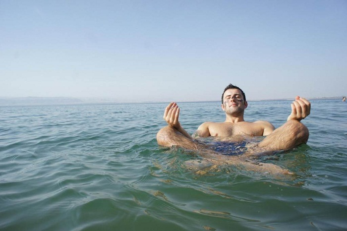 Float on the Dead Sea in Jordan, Israel. Photo by rackcdn.com
