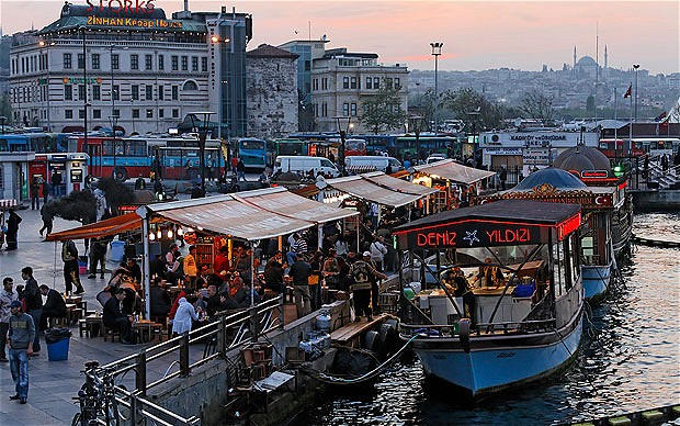 Istanbul harbour. Photo by telegraph.co.uk