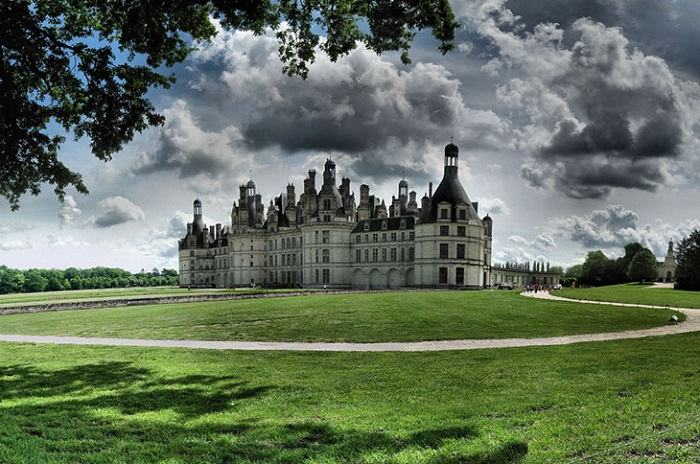 The Chateau de Chambord in France is a beautiful example of French Renaissance.Photo by Panoramas, flickr