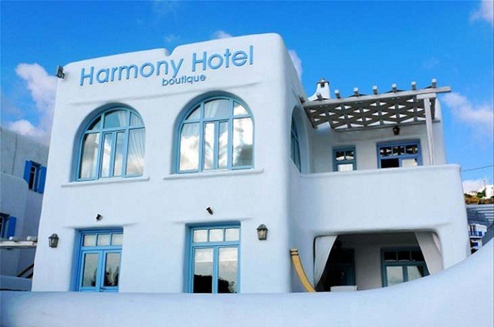 Harmony Hotel, Mykonos. Photo by geniussdhit.pixnet.net