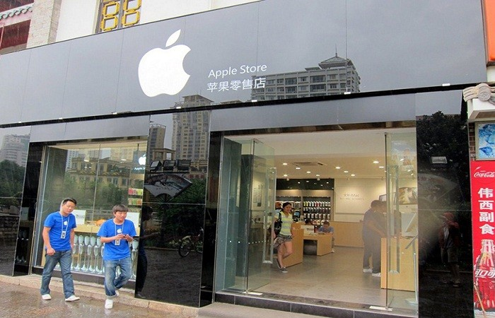 A counterfeit Apple store in China. Photo by thegmic.com