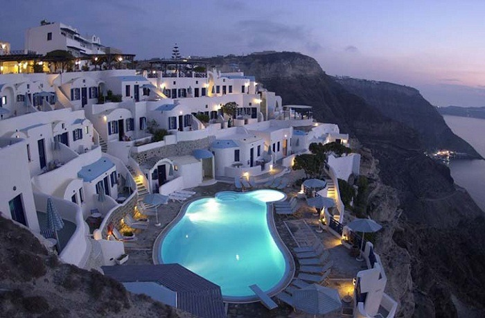 The Volcano View Hotel in Santorini. Photo by volcanoview.net