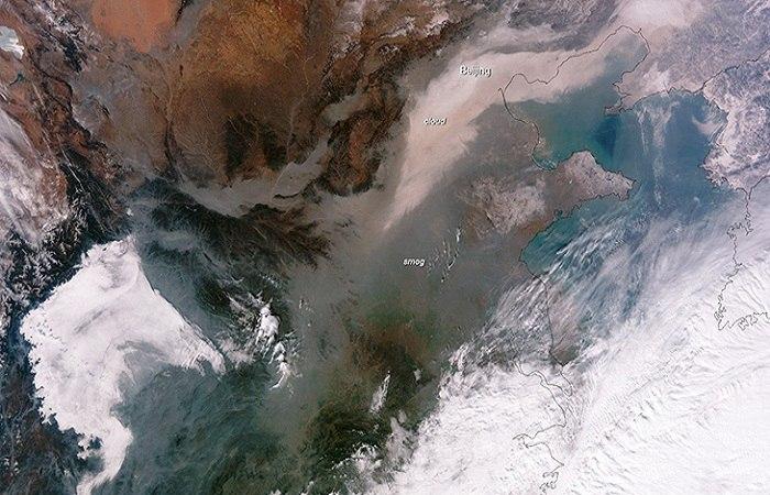 A satelite image of smog over China. Photo by businessinsider.com