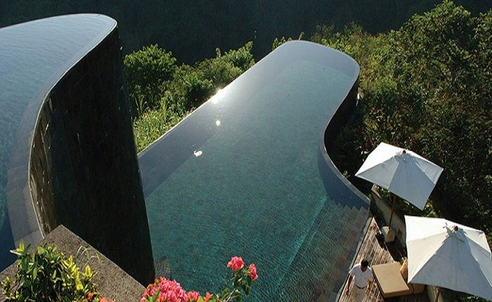 The split level infinity pool of the Hanging Gardens, Ubud. Photo by, stylisheve.com
