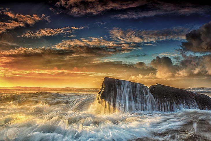 breathtaking landscape photos of Indonesia's coastline
