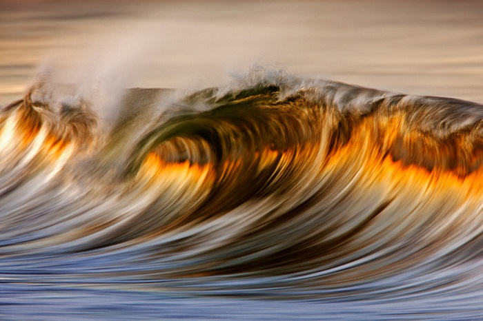 Gorgeous Long-Exposure Photographs of Golden Waves