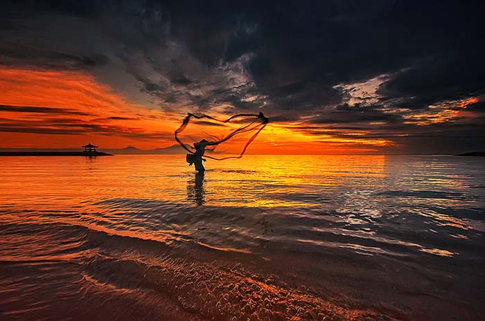 Photo by Hendri Suhmandi