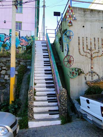 Amazing stair art in Valparaiso, Chile. Photo by boredpanda.com