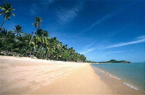 Bophut Beach has got fantastic locations that let you explore Koh Samui. Photo via thai-real