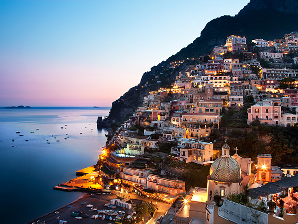 Positano is the perfect hub to stay at. Photo via LonelyPlanet