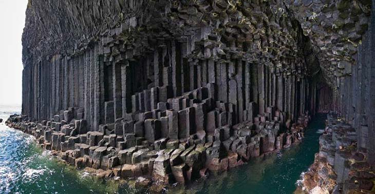 See the hexagonal columns of Fingals Cave up close. Photo by paperblog.com