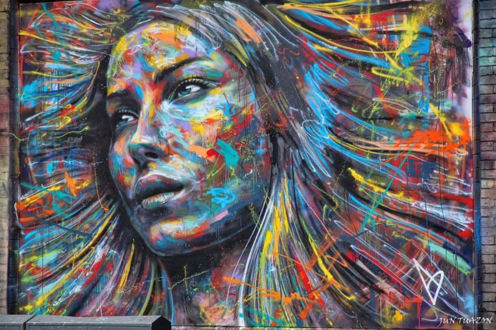 8 - Beautiful graffiti portrait in London. Photo by thedailytop.com