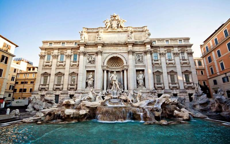 The magnificent Trevi Fountain. Photo via gloholiday