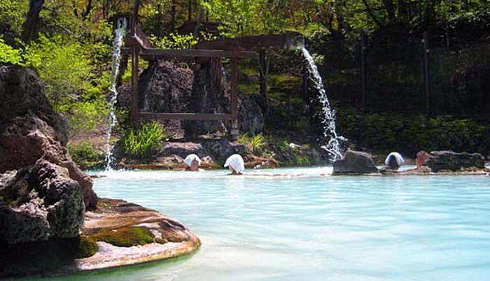 Shirahone Hot Springs, Japan. Photo via japan-guide