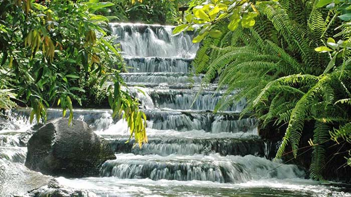 Arenal Hot Springs, Costa Rica. Photo via costaricavacationdeals.jpg