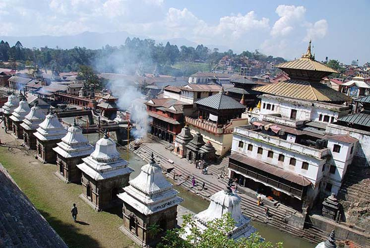 Pashupatinath Temple is one of the most important Hindu place or worship. Photo via ThUiOenVEMI