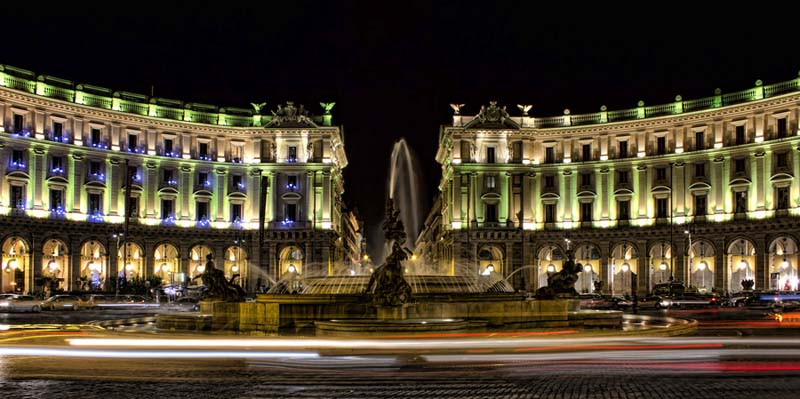 The Piazza della Repubblica at night-time. Photo via worldviator