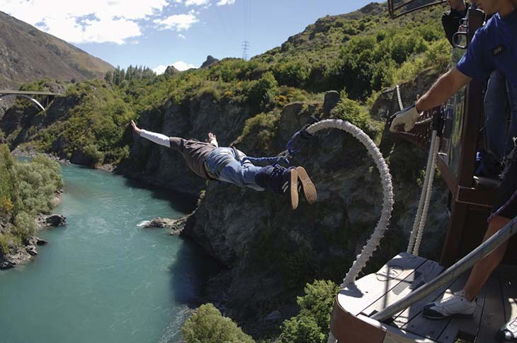 Bungee jumping in NZ, would you do it. Photo via lodgings