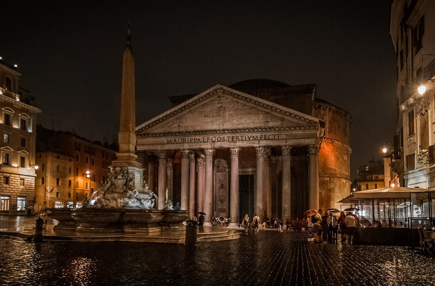 The Pantheon from the front is stunning at night. Photo by Oliver K.