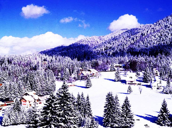 Poiana Brasov is esepcially scenic during the winter months. Image via Madaline Gheorghe
